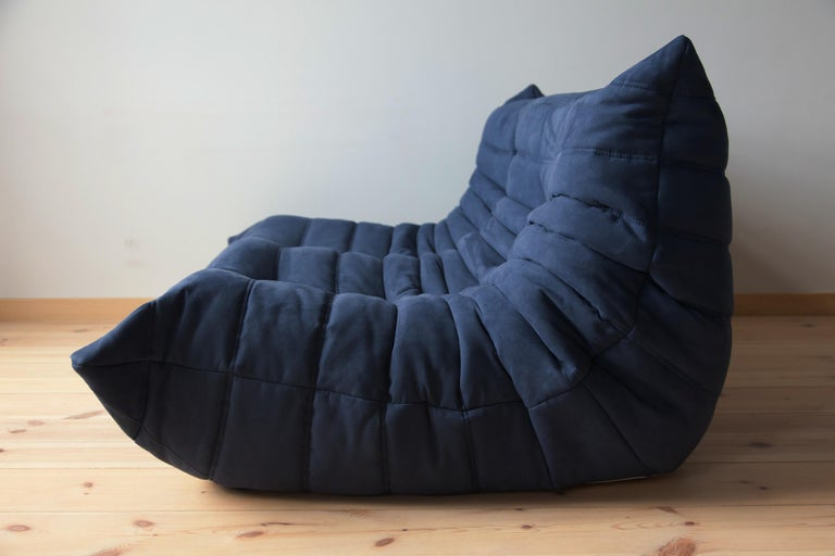 French Togo 2-Seat Sofa in Dark Blue Microfibre by Michel Ducaroy for Ligne Roset For Sale
