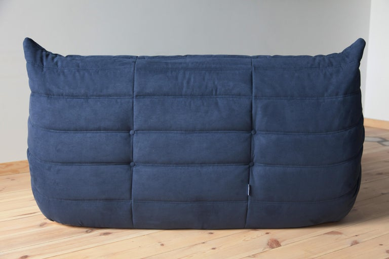 Late 20th Century Togo 2-Seat Sofa in Dark Blue Microfibre by Michel Ducaroy for Ligne Roset For Sale