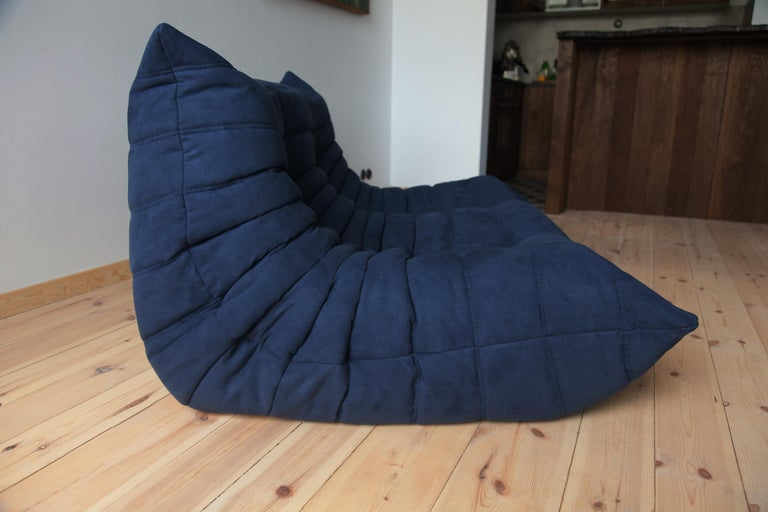 Togo 2-Seat Sofa in Dark Blue Microfibre by Michel Ducaroy for Ligne Roset For Sale 2