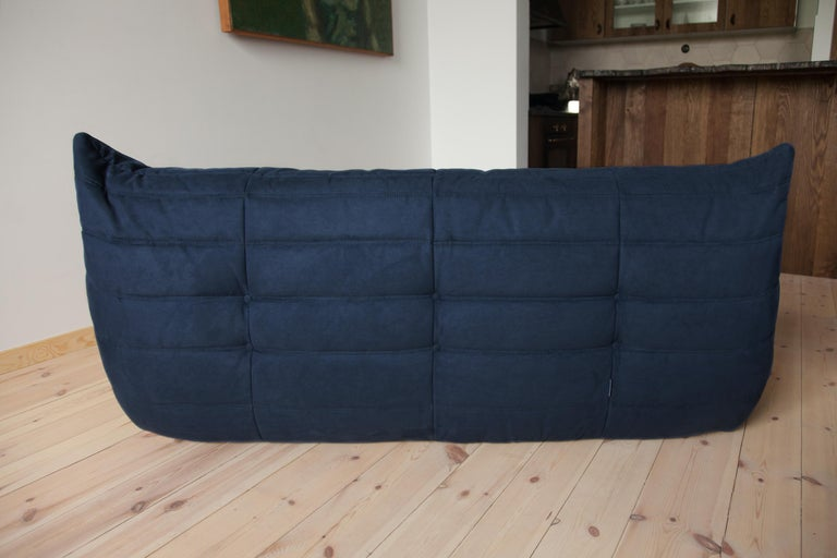 Togo 3-Seat Sofa in Dark Blue Microfibre by Michel Ducaroy for Ligne Roset In Good Condition For Sale In Berlin, DE