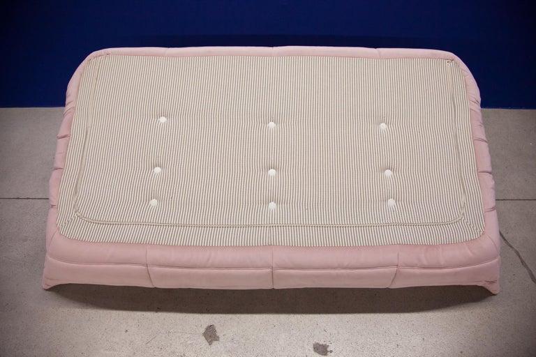 Togo 3-Seat Sofa in Pink Velvet by Michel Ducaroy for Ligne Roset For Sale 10