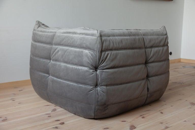 Togo Corner Couch in Grey Velvet by Michel Ducaroy for Ligne Roset In Excellent Condition For Sale In Berlin, DE