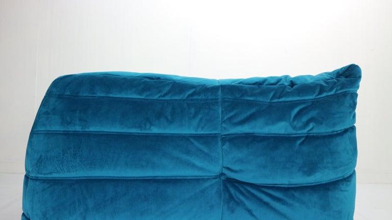 Togo Corner Lounge Chair by Michel Ducaroy for Ligne Roset in Blue Velvet, 1973 For Sale 3
