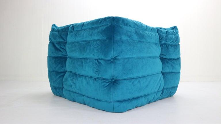 Togo Corner Lounge Chair by Michel Ducaroy for Ligne Roset in Blue Velvet, 1973 For Sale 6