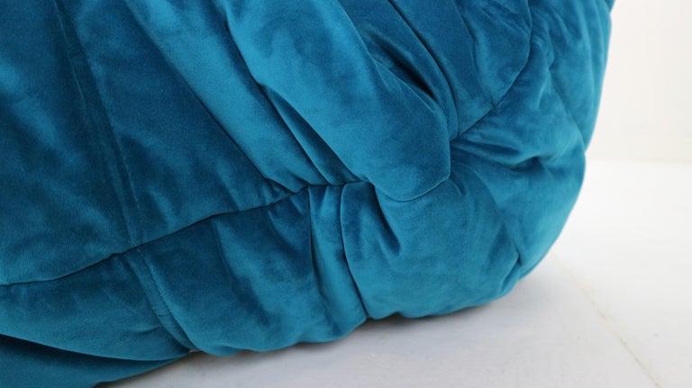 Togo Corner Lounge Chair by Michel Ducaroy for Ligne Roset in Blue Velvet, 1973 For Sale 10