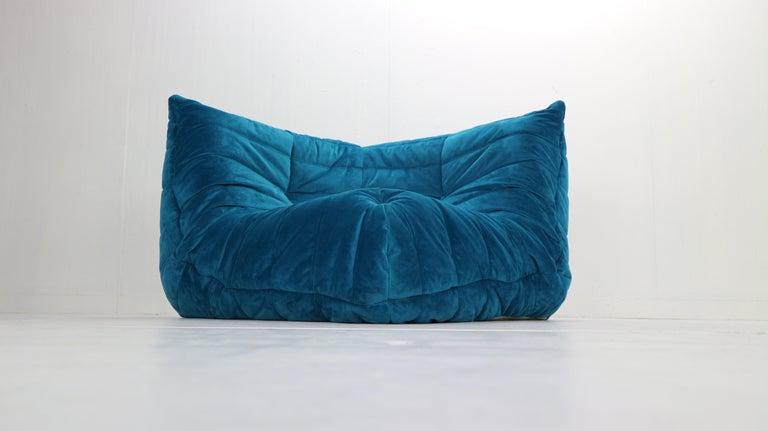 French Togo Corner Lounge Chair by Michel Ducaroy for Ligne Roset in Blue Velvet, 1973 For Sale