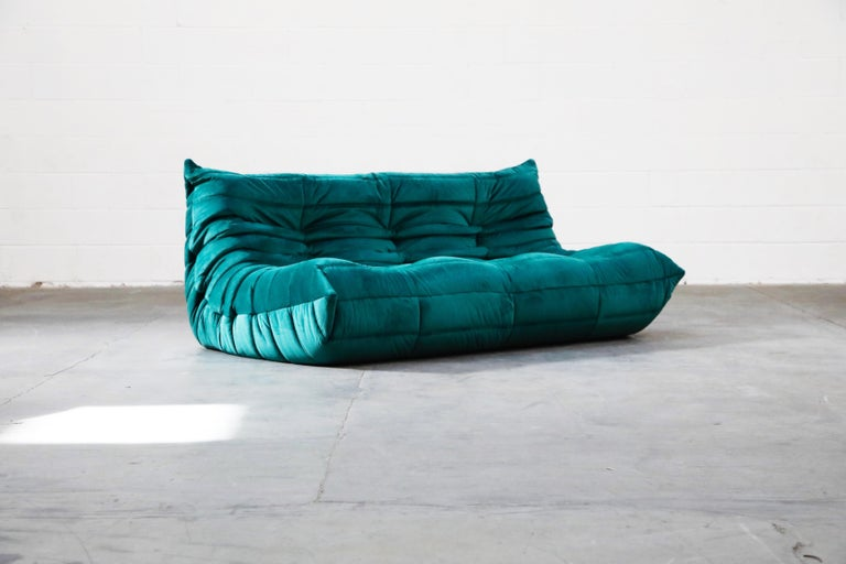 Togo Five-Piece Set by Michel Ducaroy for Ligne Roset in Emerald Green Velvet For Sale 4