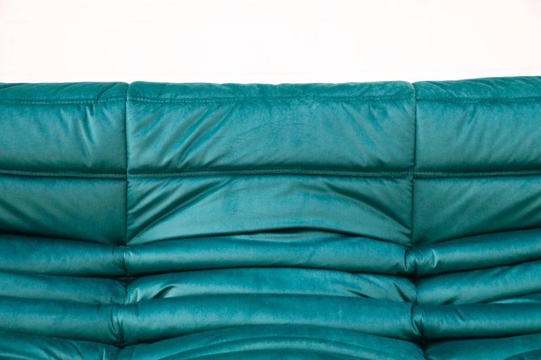 Togo Five-Piece Set by Michel Ducaroy for Ligne Roset in Emerald Green Velvet For Sale 9