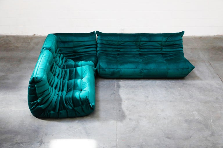 Togo Five-Piece Set by Michel Ducaroy for Ligne Roset in Emerald Green Velvet In Excellent Condition For Sale In Los Angeles, CA