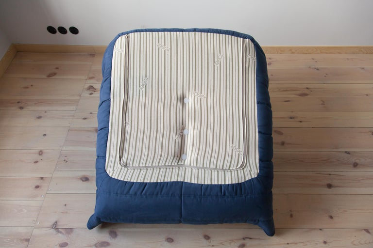 Togo Longue Chair in Dark Blue Microfibre by Michel Ducaroy, Ligne Roset For Sale 5