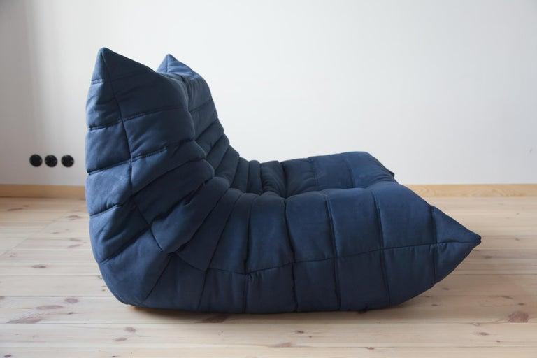 Togo Longue Chair in Dark Blue Microfibre by Michel Ducaroy, Ligne Roset For Sale 1