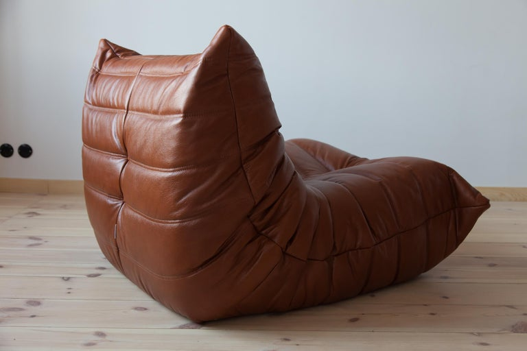 Togo Longue Chair in Whiskey Leather by Michel Ducaroy, Ligne Roset In Excellent Condition For Sale In Berlin, DE
