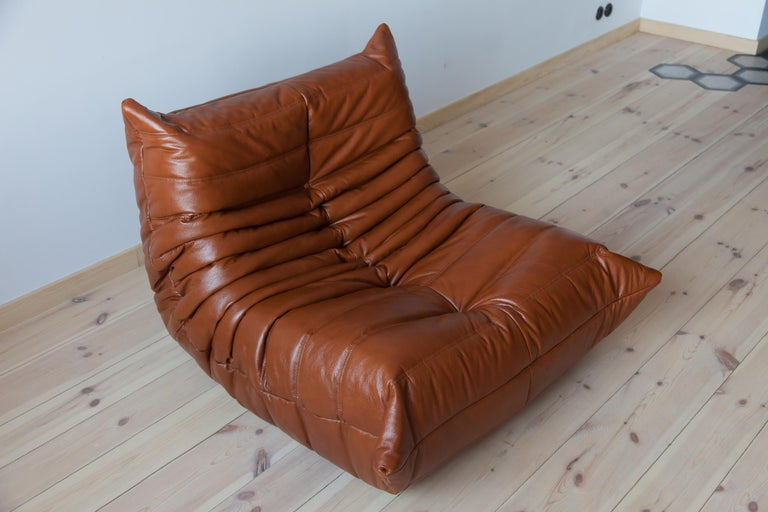 Mid-Century Modern Togo Longue Chair in Whiskey Leather by Michel Ducaroy, Ligne Roset For Sale