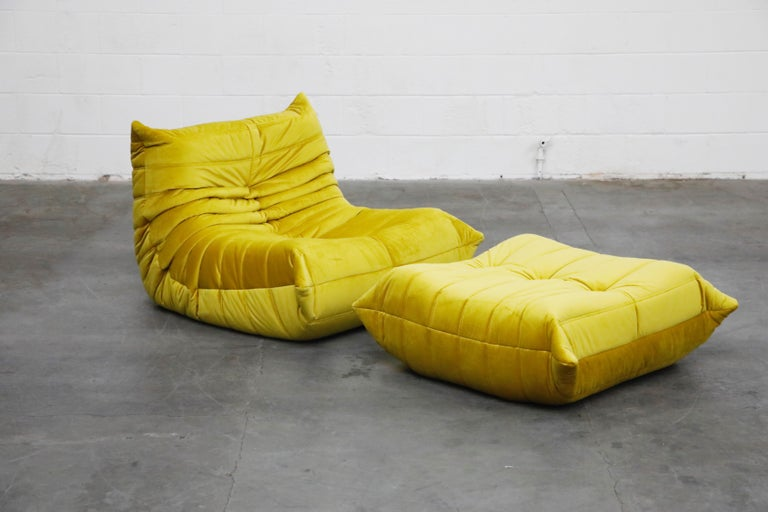 'Togo' Lounge Chair and Ottoman by Michel Ducaroy for Ligne Roset in Gold Velvet In Excellent Condition For Sale In Los Angeles, CA