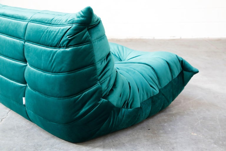 Togo Loveseat by Michel Ducaroy for Ligne Roset in Emerald Green Velvet, Signed For Sale 6
