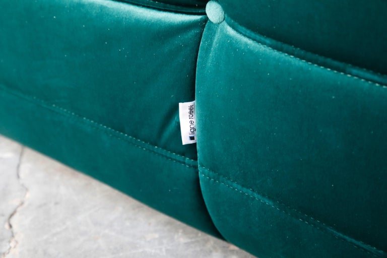 Togo Loveseat by Michel Ducaroy for Ligne Roset in Emerald Green Velvet, Signed For Sale 7