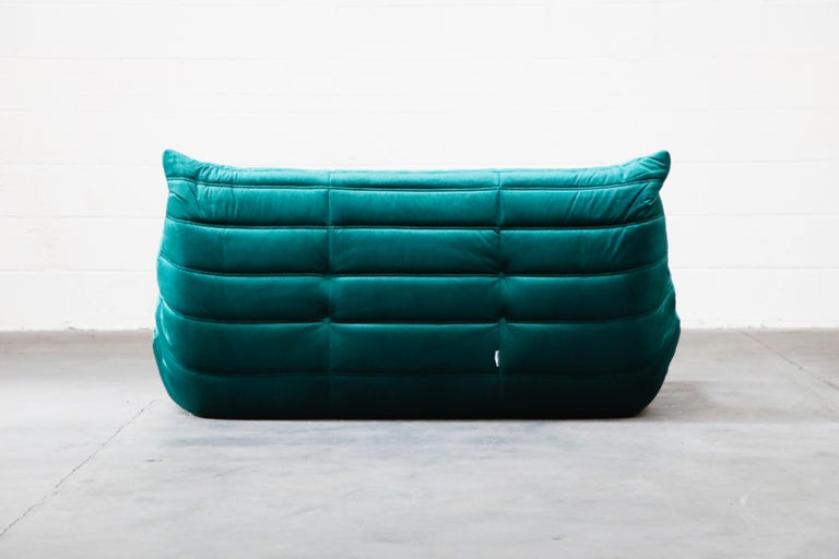 Togo Loveseat by Michel Ducaroy for Ligne Roset in Emerald Green Velvet, Signed For Sale 9