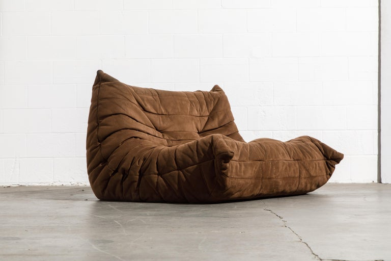'Togo' Loveseat Sofa by Michel Ducaroy for Ligne Roset, Signed In Good Condition In Los Angeles, CA