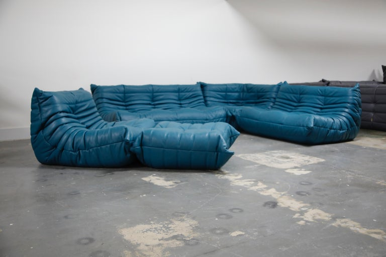 'Togo' Ottoman by Michel Ducaroy for Ligne Roset in Blue Leather For Sale 4
