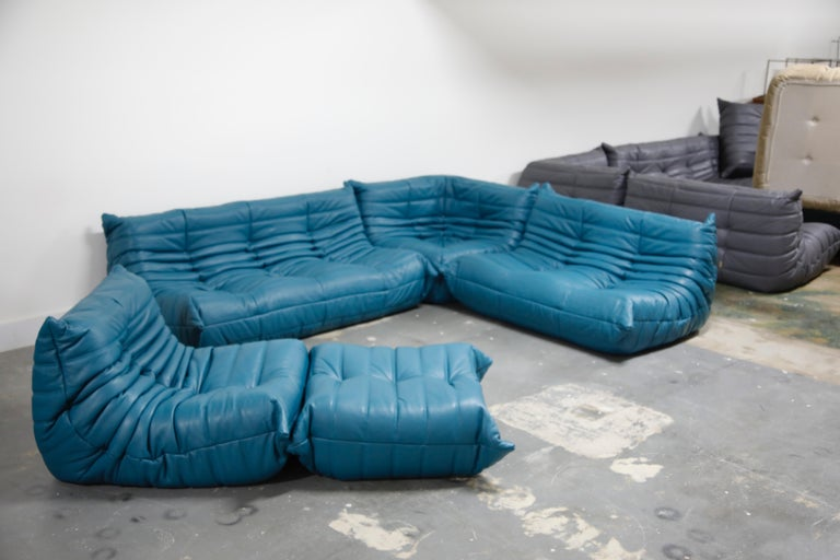 'Togo' Ottoman by Michel Ducaroy for Ligne Roset in Blue Leather For Sale 3