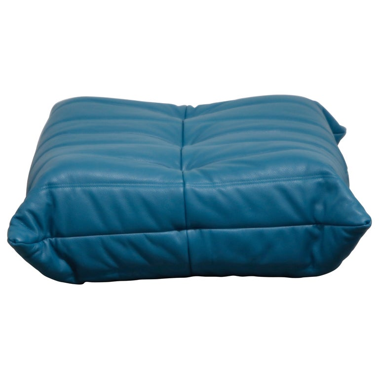 'Togo' Ottoman by Michel Ducaroy for Ligne Roset in Blue Leather For Sale