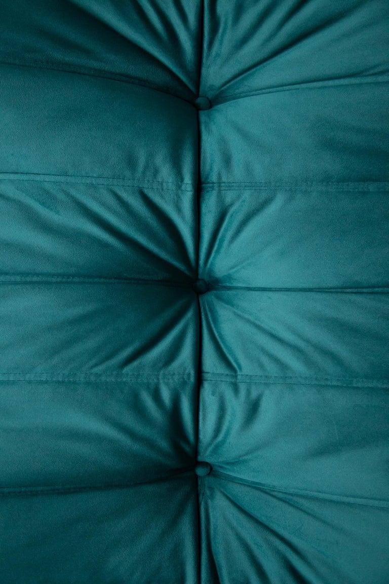 Togo Ottoman in Blue-Green Velvet by Michel Ducaroy, Ligne Roset In Excellent Condition For Sale In Berlin, DE