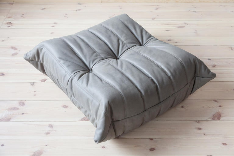 Mid-Century Modern Togo Ottoman in Grey Leather by Michel Ducaroy, Ligne Roset For Sale