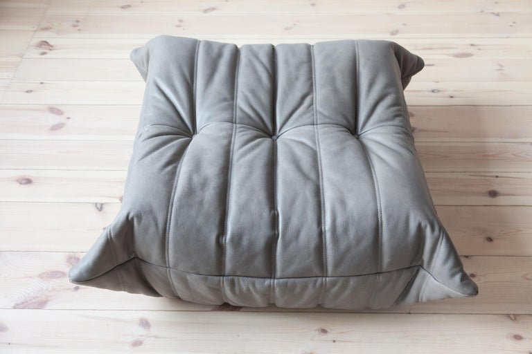French Togo Ottoman in Grey Leather by Michel Ducaroy, Ligne Roset For Sale