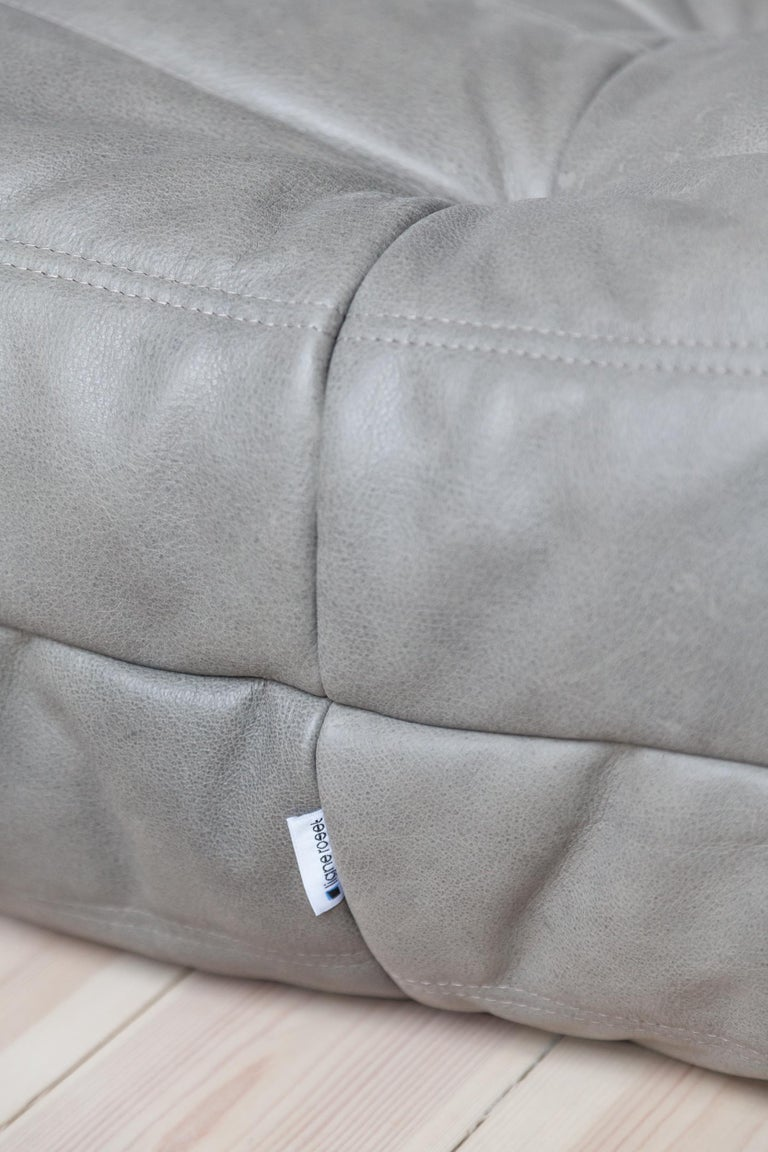 Togo Ottoman in Grey Leather by Michel Ducaroy, Ligne Roset In Excellent Condition For Sale In Berlin, DE