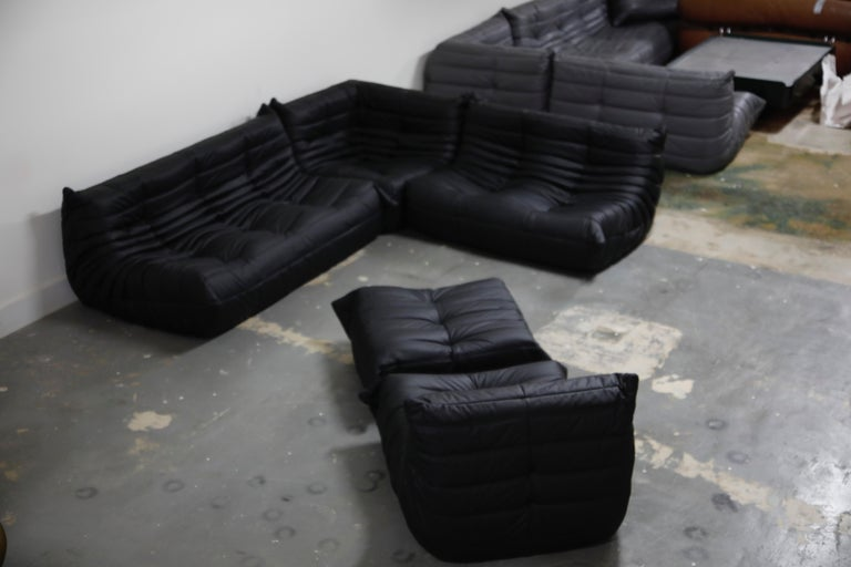 Togo Sectional Five-Piece Set by Michel Ducaroy for Ligne Roset in Black Leather In Excellent Condition For Sale In Los Angeles, CA
