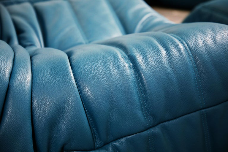 Togo Sectional Five-Piece Set by Michel Ducaroy for Ligne Roset in Blue Leather For Sale 9