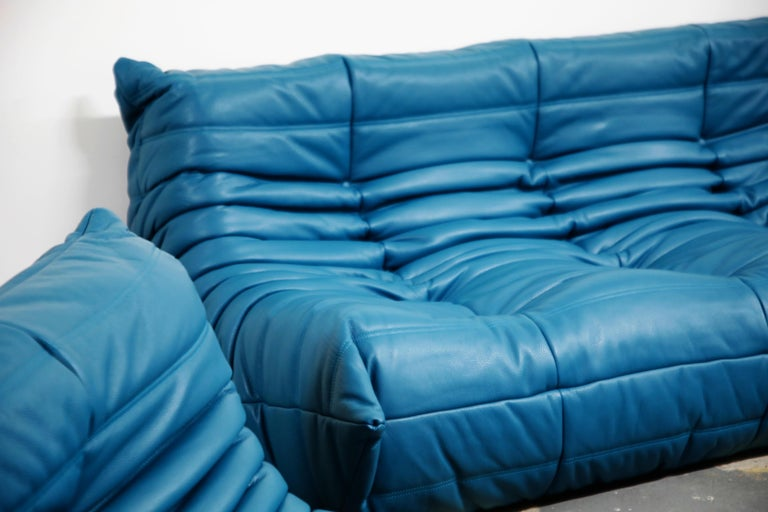 Togo Sectional Five-Piece Set by Michel Ducaroy for Ligne Roset in Blue Leather For Sale 10