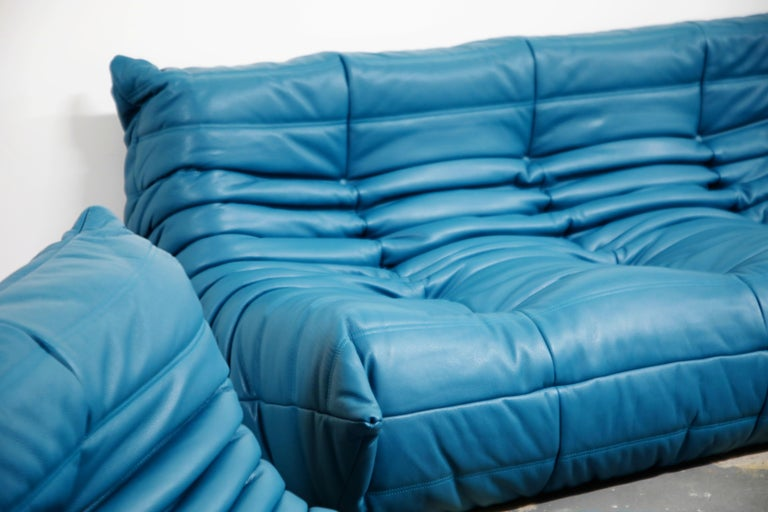 Togo Sectional Five-Piece Set by Michel Ducaroy for Ligne Roset in Blue Leather For Sale 13