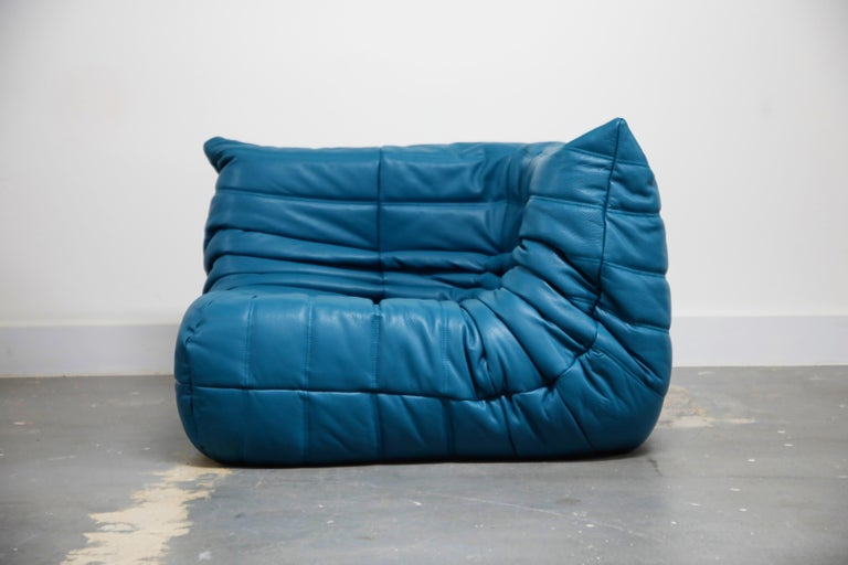 Togo Sectional Five-Piece Set by Michel Ducaroy for Ligne Roset in Blue Leather For Sale 3