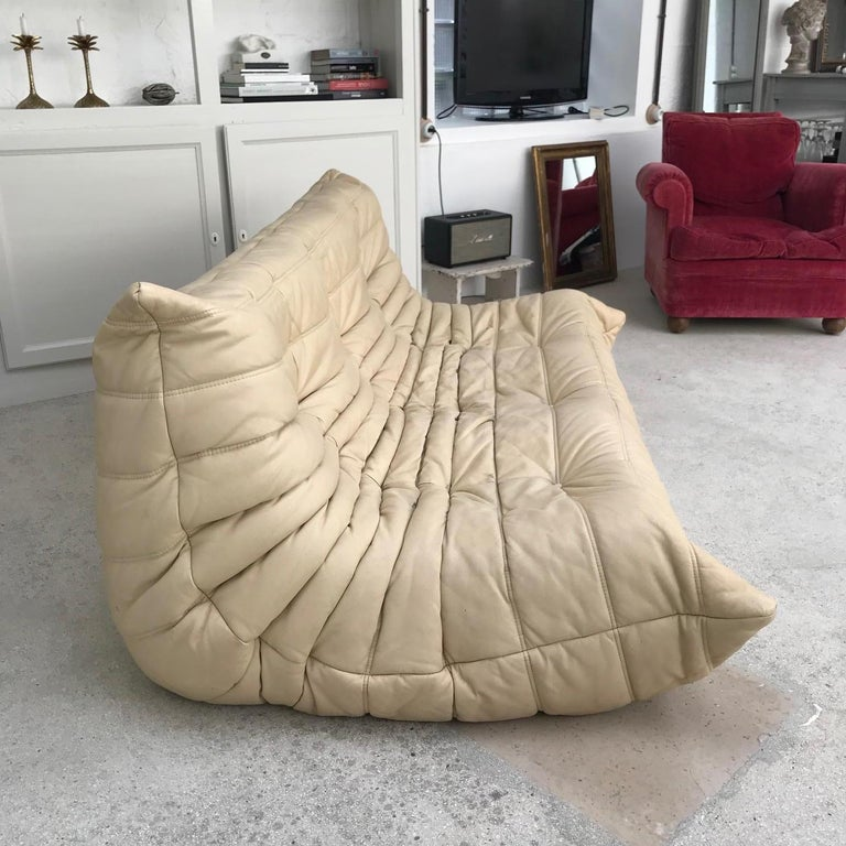 Togo Sofa by Michel Ducaroy for Ligne Roset In Good Condition For Sale In Paris, FR