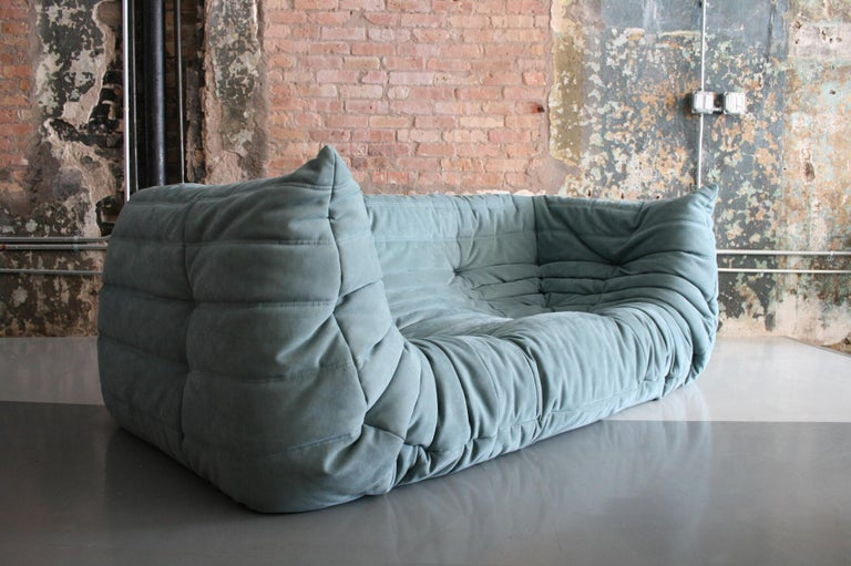 Togo Sofa in Baby Blue Leather by Michel Ducaroy for Ligne Roset In Good Condition For Sale In Chicago, IL