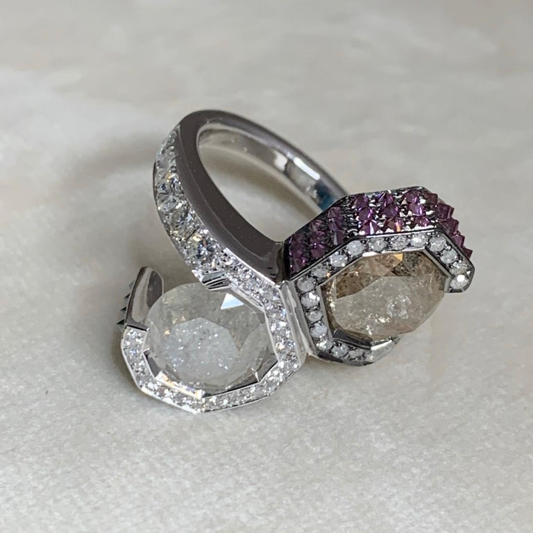One of a kind Toi et Moi ring made in Belgium in 2015 by jewellery artist Joke Quick, in 18K white gold 13,3g. Set with Icy, white, natural coloured blue & Purple upside down set brilliant-cut diamonds. Total carat diamonds: 6,12 carat. Size EU 50