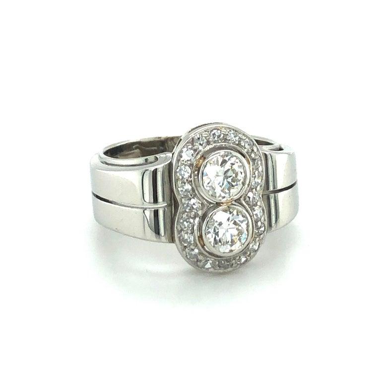 Edwardian Toi et Moi Old European Cut Diamond Ring in 18 Karat White Gold and Platinum For Sale