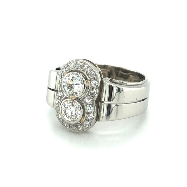 Toi et Moi Old European Cut Diamond Ring in 18 Karat White Gold and Platinum In Good Condition For Sale In Lucerne, CH