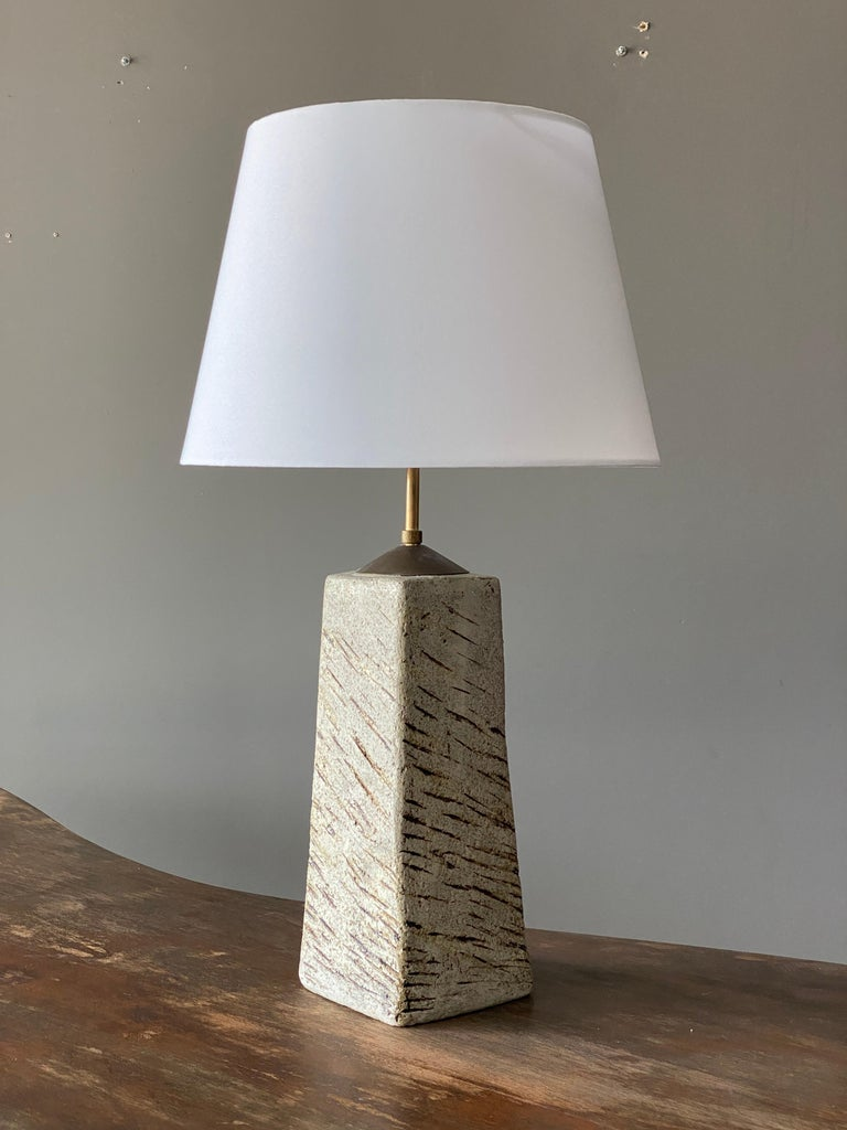 Toini Muona, Table Lamp, Hand-Painted Stoneware, Finland, 1950s In Good Condition For Sale In West Palm Beach, FL