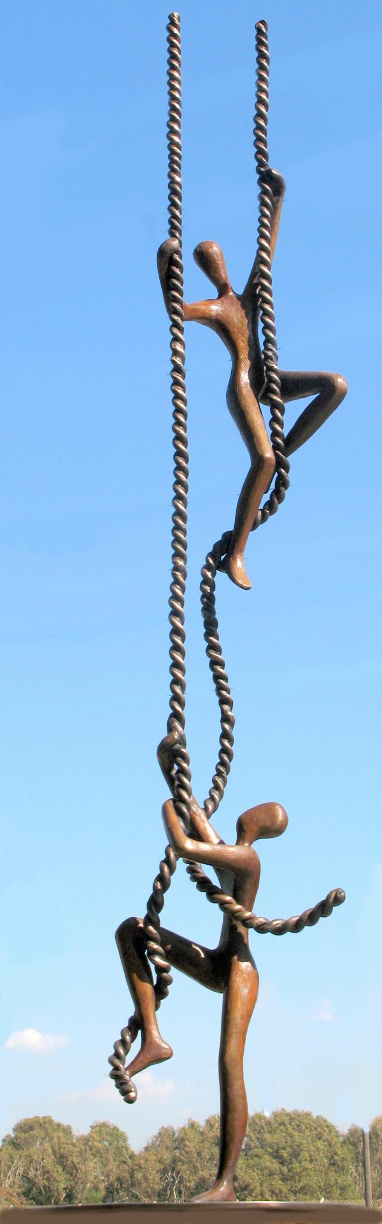 Tolla Inbar, Encouragement, outdoor bronze sculpture
