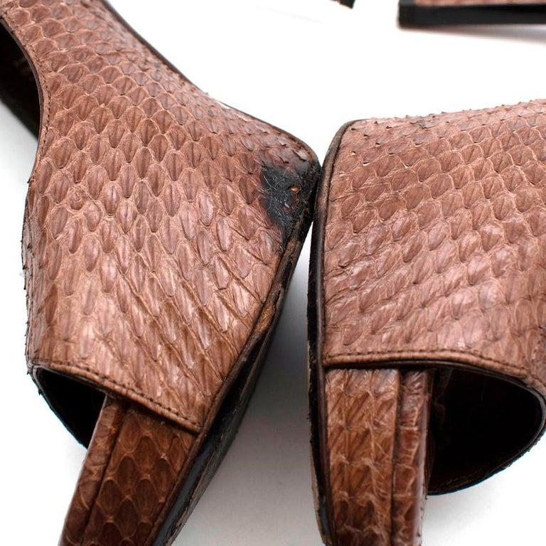 Tom Ford Brown Snakeskin Peep Toe Platform Pumps - 37.5 For Sale 2