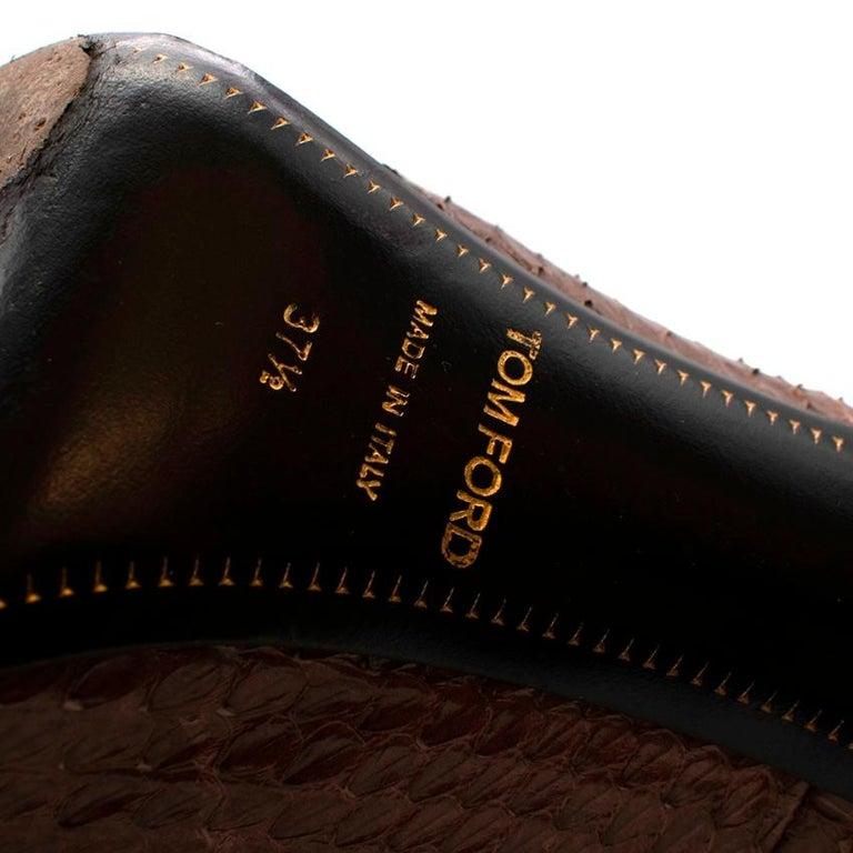 Tom Ford Brown Snakeskin Peep Toe Platform Pumps - 37.5 For Sale 4