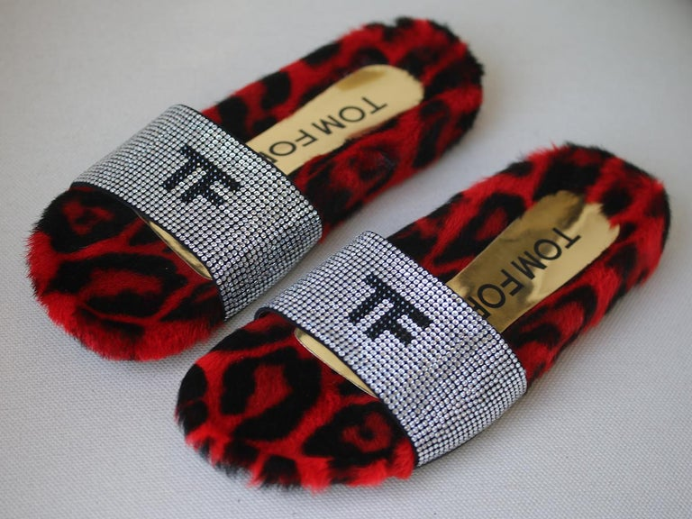 Tom Ford Crystal-Embellished Fur Slides  In New Condition For Sale In London, GB