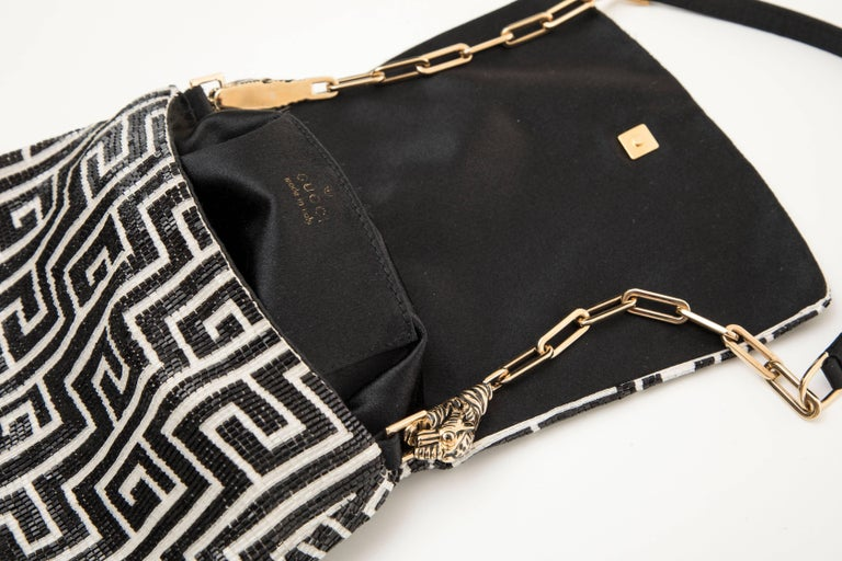Tom Ford For Gucci Beaded Evening Bag Tiger And Chain Link Strap, Spring 2000 In Excellent Condition For Sale In Cincinnati, OH