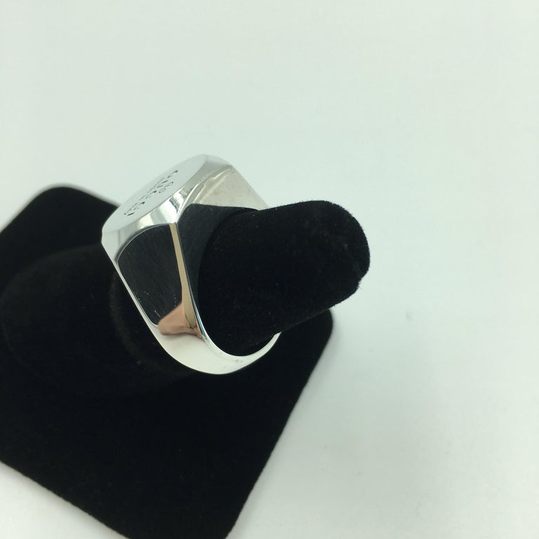 Tom Ford for Gucci Engraved Logo Sterling Silver Signet Ring  In Good Condition For Sale In Los Angeles, CA