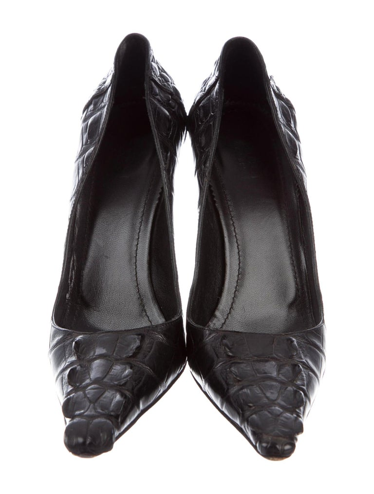 Tom Ford for Gucci F/W 2002 Black Crocodile Shoes Pumps 9 B In Excellent Condition For Sale In Montgomery, TX