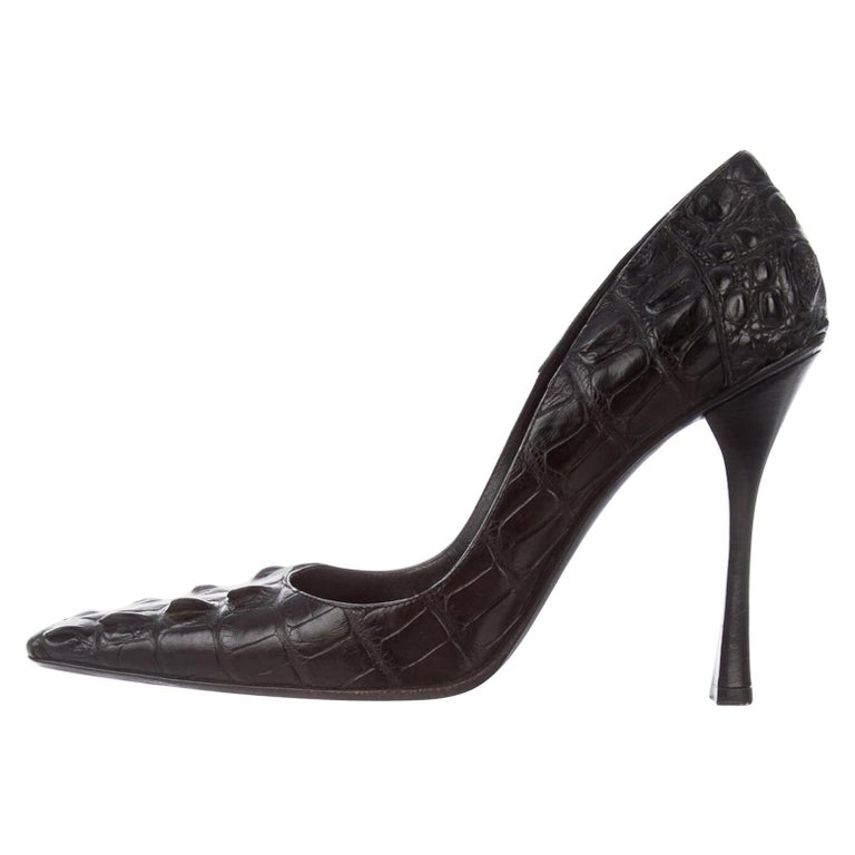 Tom Ford for Gucci F/W 2002 Black Crocodile Shoes Pumps 9 B For Sale