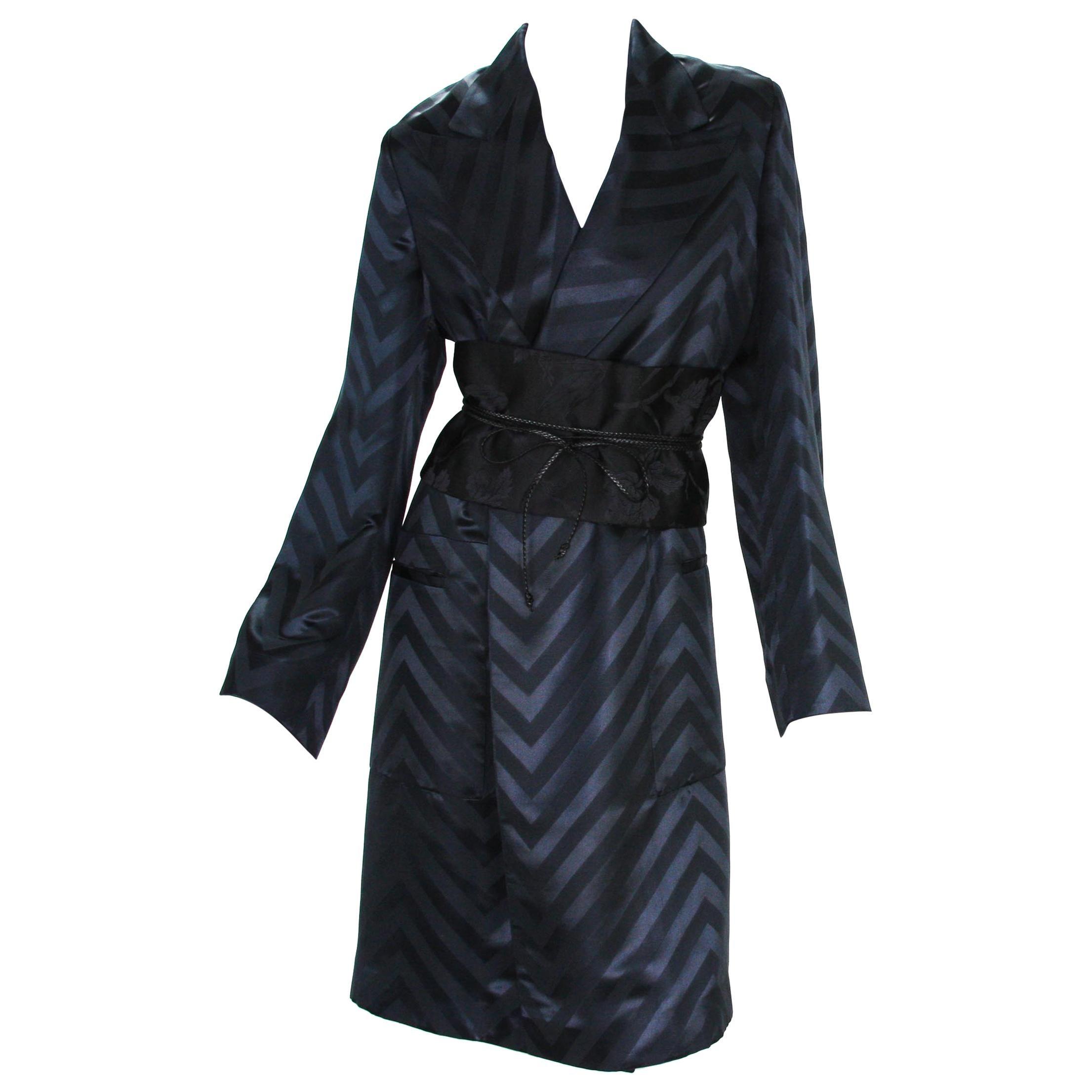 Tom Ford for Gucci F/W 2002 Black Silk Chevron Kimono Coat with Obi Belt It. 40
