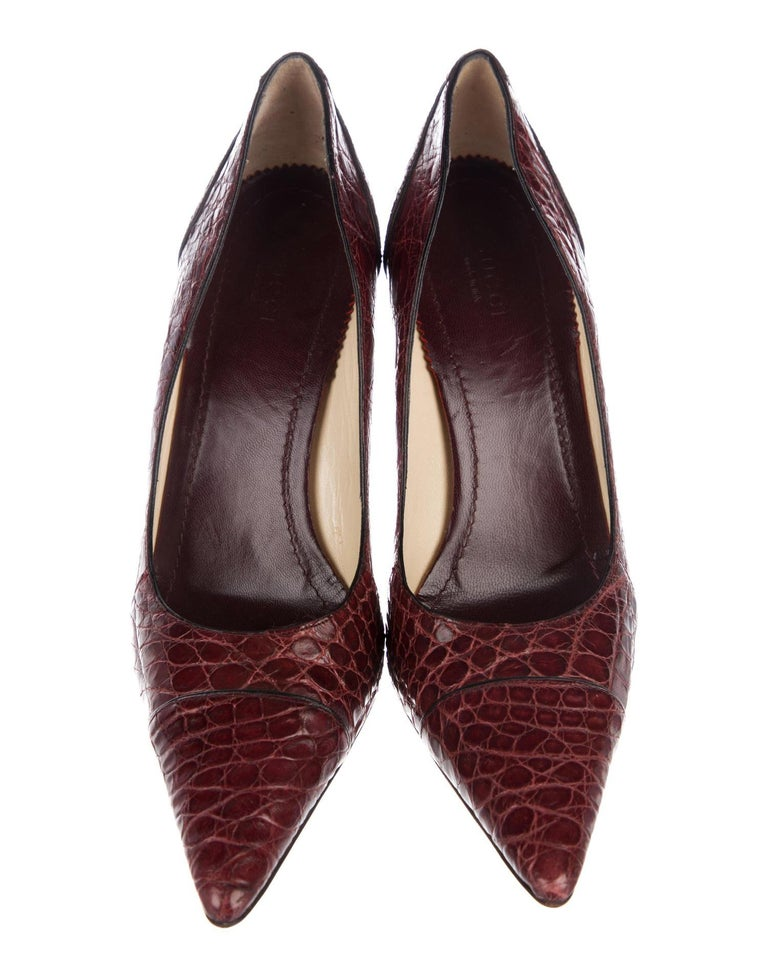 Brown Tom Ford for Gucci F/W 2002 Collection Alligator Wine Color Shoes Pumps 39.5 C For Sale